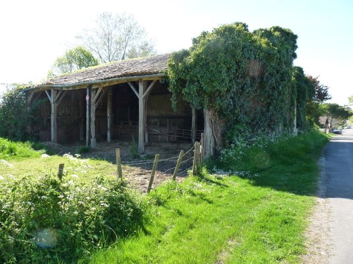 vieille grange à Tresses